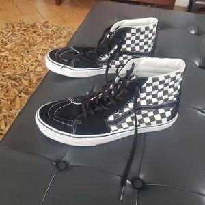 Van's Shoes. Size 13 Men. Like New